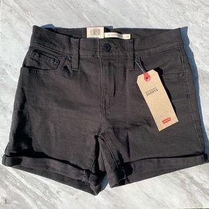 LEVI'S mid length shorts (NWT)